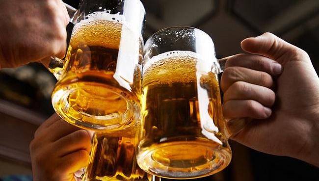 Rượu bia có ảnh hưởng đến chuyện chăn gối vợ chồng
